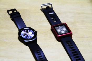 社外時計バンドを装着したiPadと並べてみた。